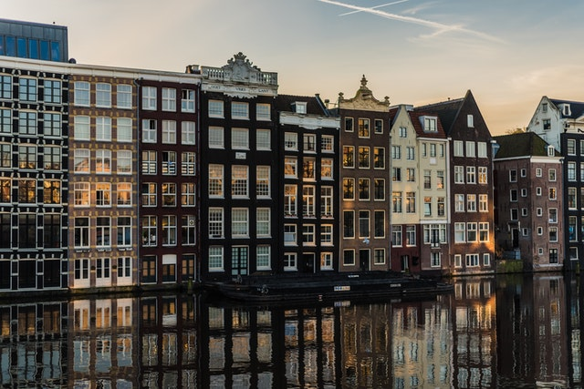 Waarom wonen in Amsterdam zo duur is